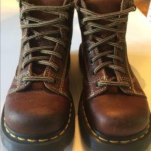 Doc Martens EUC Mens 6 Women's 7 Brown Boots
